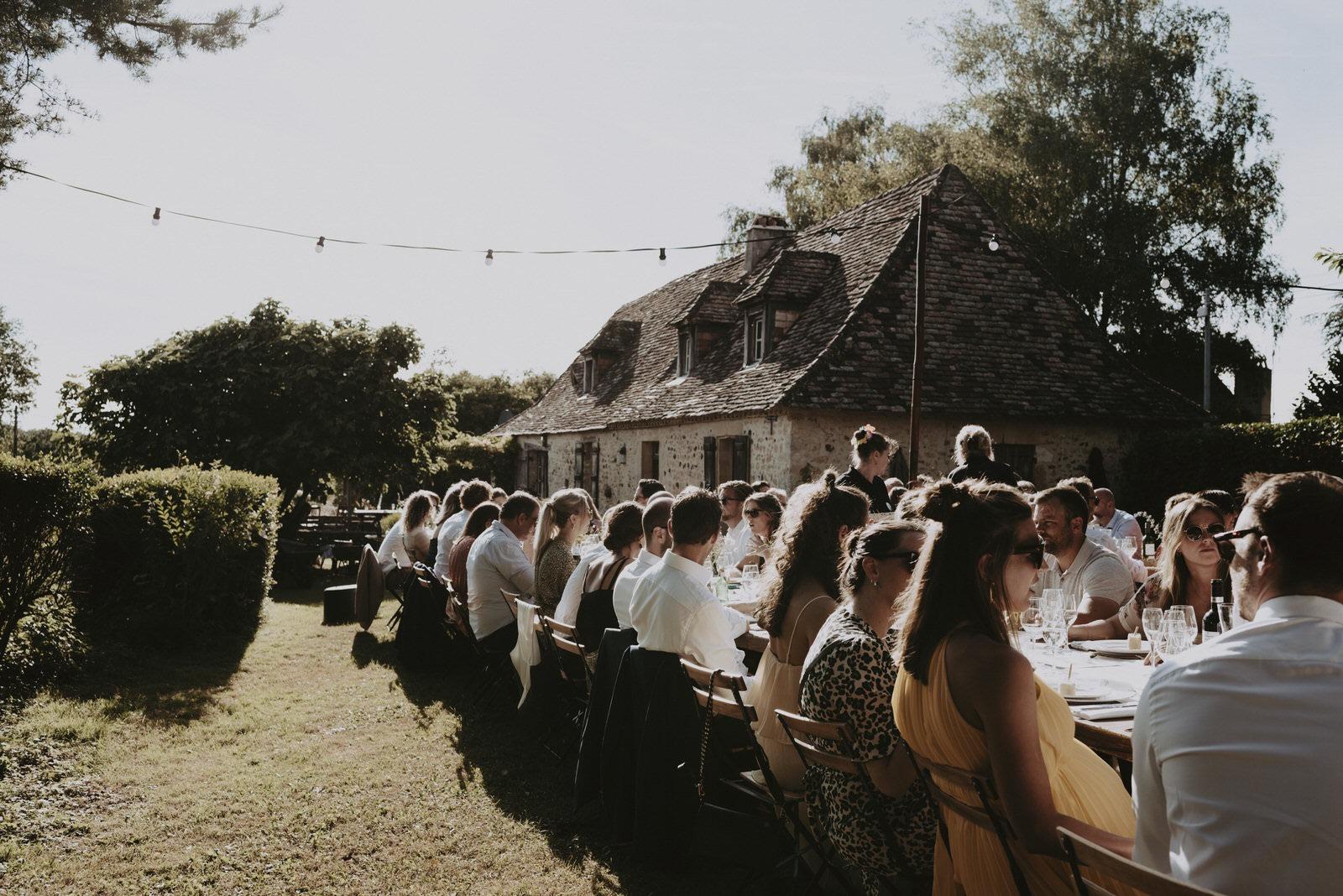 repas-exterieur-mariage